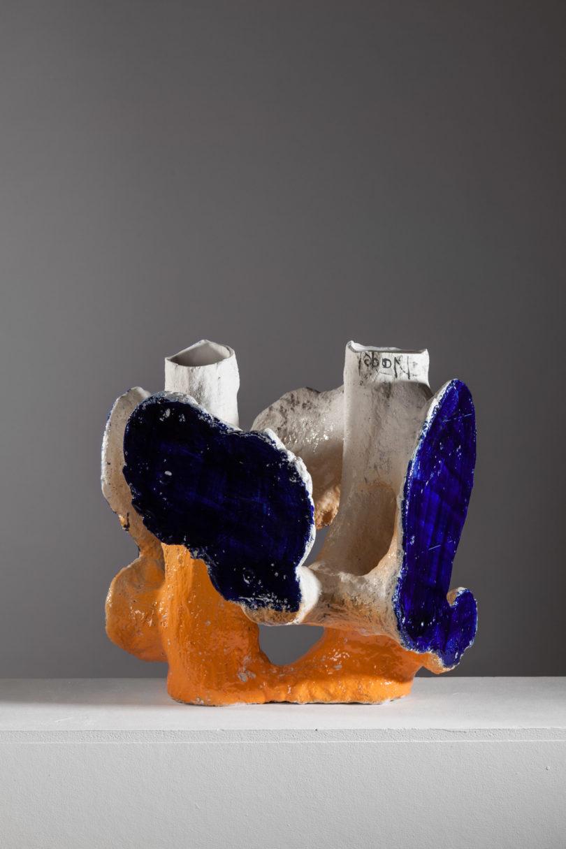 "Johannes Nagel, ""Orange Blue II"", 2017, Porzellan, Bild: Erich Spahn, Galerie Zink"