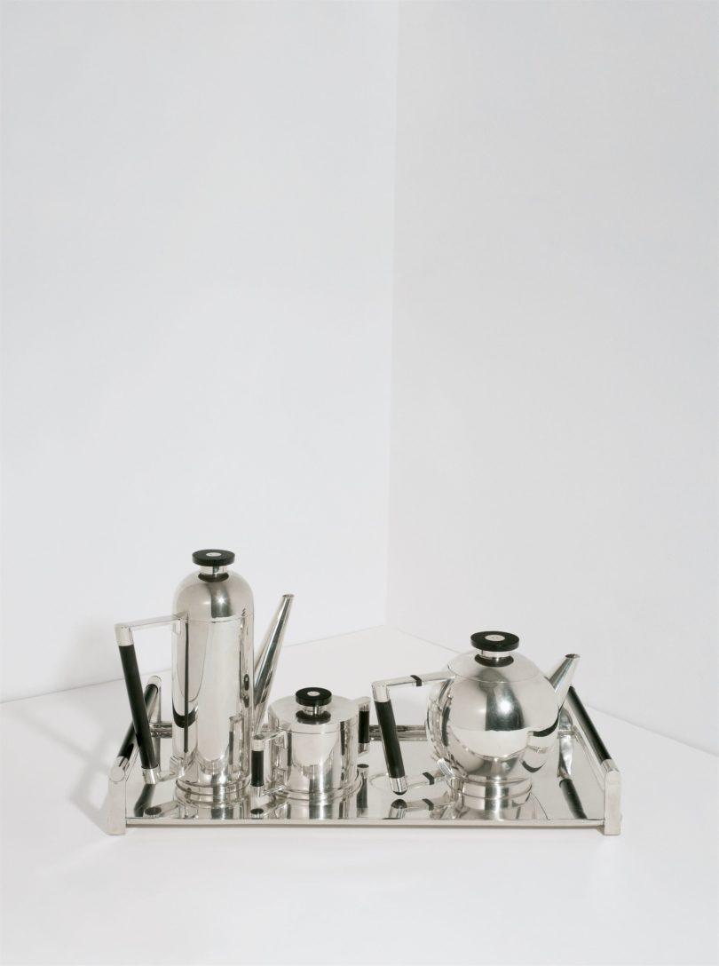 Naum Slutzky, Tee- und Kaffeeservice mit Tablett, 1927, Grisebach, Schätzpreis: 180.000 – 240.000 EUR, Foto: Fotostudio Bartsch, Karen Bartsch/Grisebach GmbH