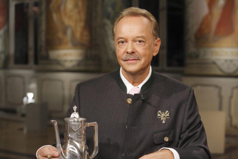 Dr. Carl Ludwig Fuchs, BR-Experte für Schmuck und Silber (Copyright: BR/Gerd Heinlein)