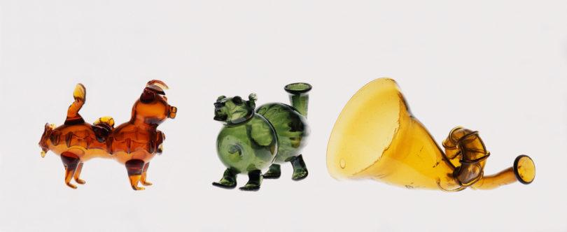 Scherzgläser in Form eines Schweins, eines Hundes sowie eines Posthorns, 17. Jahrhundert, im Hessischen Landesmuseum Kassel, Foto: Museumslandschaft Hessen Kassel, Sammlung Angewandte Kunst