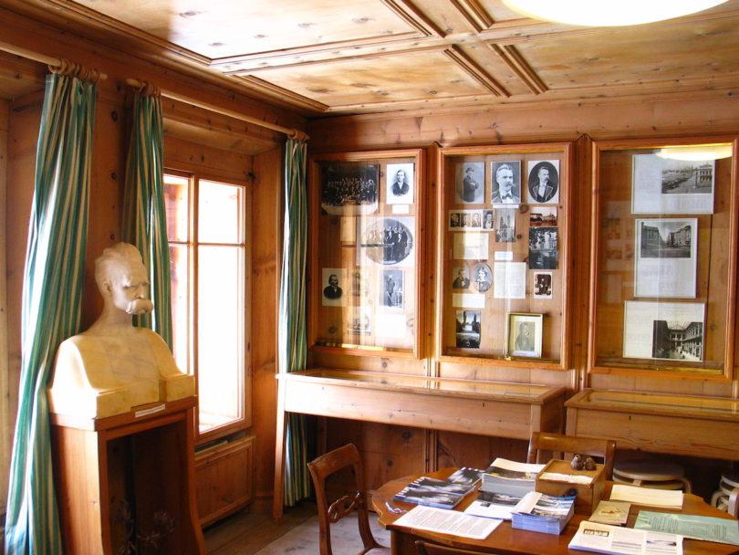 Blick in einen der Ausstellungsräume de Nietzsche-Haus, Foto: Joachim Jung