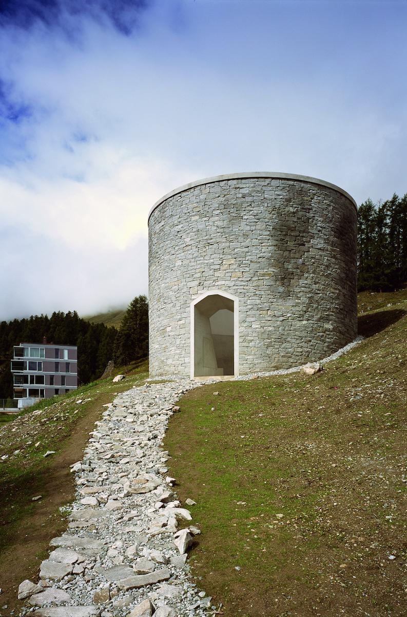 """James Turells """"Skyspace"""" ist Teil des Hotel Castell, Abbildung: Hotel Castell"""