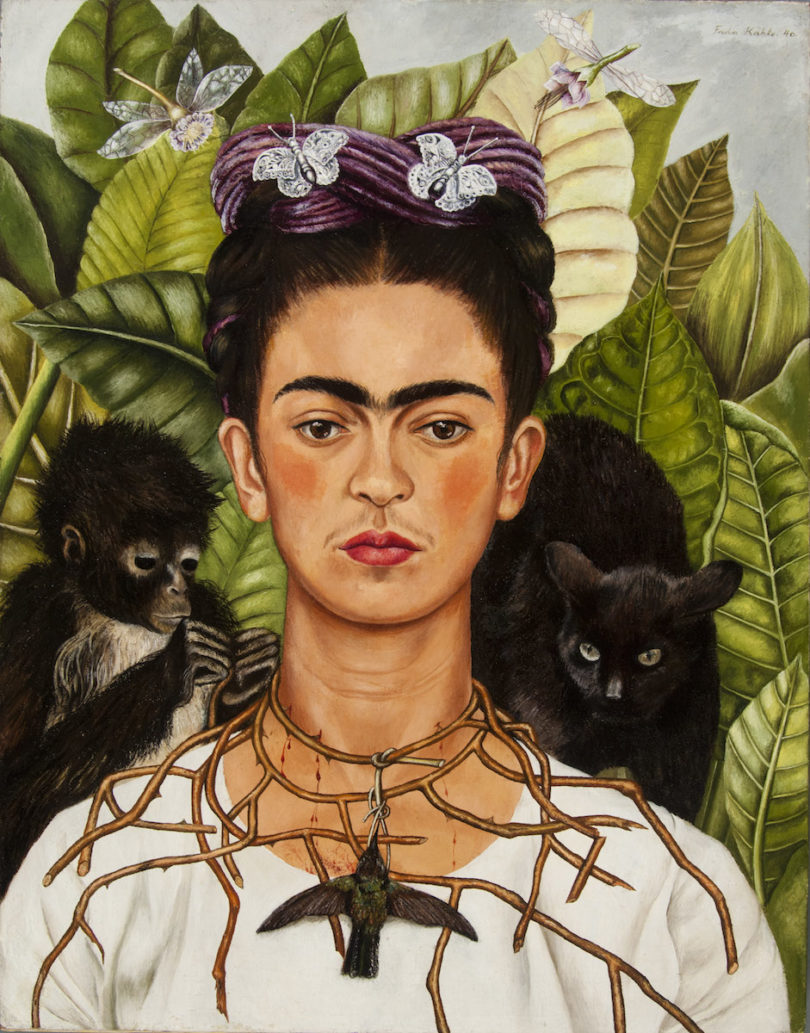 Frida Kahlo, Selbstbildnis mit Dornenhalsband, 1940, Collection of Harry Ransom Center, The University of Texas at Austin, Nickolas Muray Collection of Modern Mexican Art, Abbildung: © Banco de México Diego Rivera Frida Kahlo Museums Trust/VG Bild-Kunst, Bonn 2019