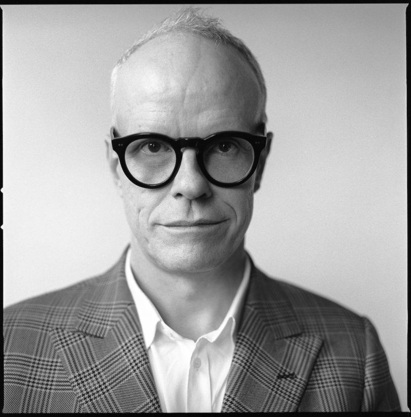 Hans Ulrich Obrist ist Kurator für zeitgenössische Kunst und leitet die Serpentine Gallery in London (Copyright: Brigitte Lacombe)