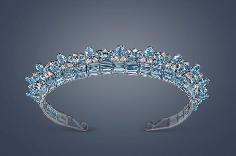 Dieses Cartier Art déco Aquamarin & Diamant Diadem aus Platin 950 (zusammen ca. 70 ct., Diamanten zusammen ca. 4 ct., signiert Cartier London, Arbeit um 1930 - 35) erzielter beim Dorotheum einen Hammerpreis von 582.800 €, (Copyright: Dorotheum)