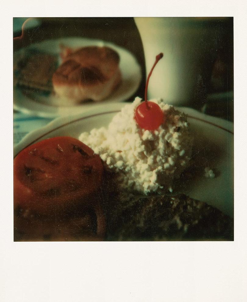 Wim Wenders, NY breakfast 1973, 2018, C-Print 10,8 x 8,8 cm / Courtesy of BASTIAN. © Wim Wenders, Berlin