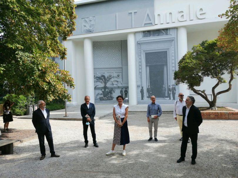 Biennale Kuratoren