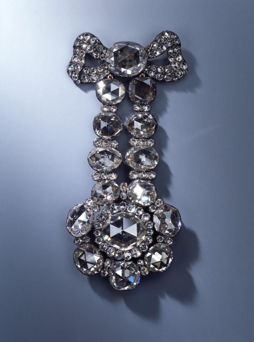Hutagraffe der Diamantrosengarnitur Juwelen Grünes Gewölbe Kunstdiebstahl