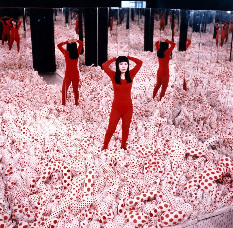 Yayoi Kusama, Infinity Mirror Room – Phalli's Field, Ausstellung Gropius Bau