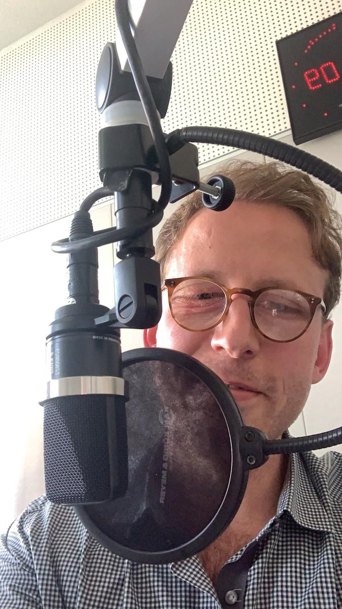 Johann König Podcast Studio Was mit Kunst